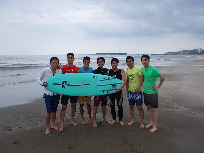 青島のサーフスクール。同期で行きました。